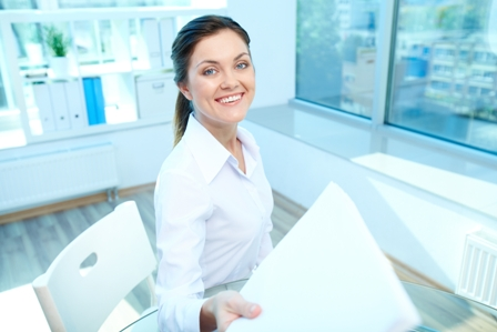 How-to-Stand-Out-to-Your-Job-Recruiter-Professional-Woman