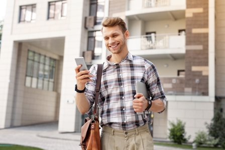 Networking Experts2 - man professional on smartphone